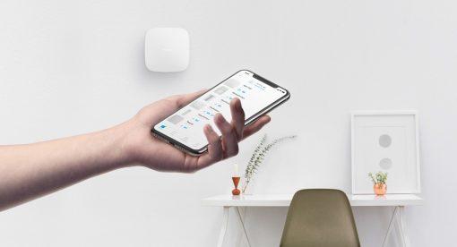 Ajax Hub Plus met Wi-Fi het brein van het Ajax alarmsysteem
